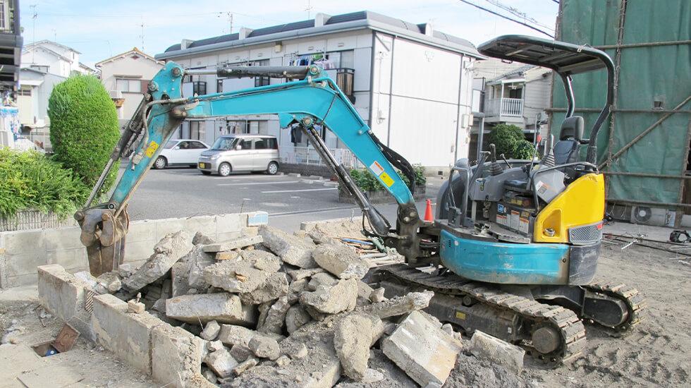 駐車場のコンクリート・アスファルト舗装の撤去